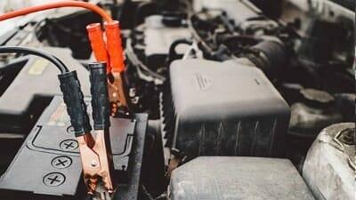 cómo cuidar la batería del carro